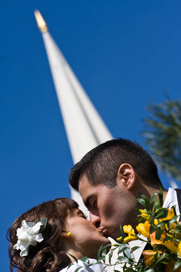 poway wedding photographer photo 21 605b Trisha & Oscar   San Diego LDS Temple & Poway Private Residence Wedding