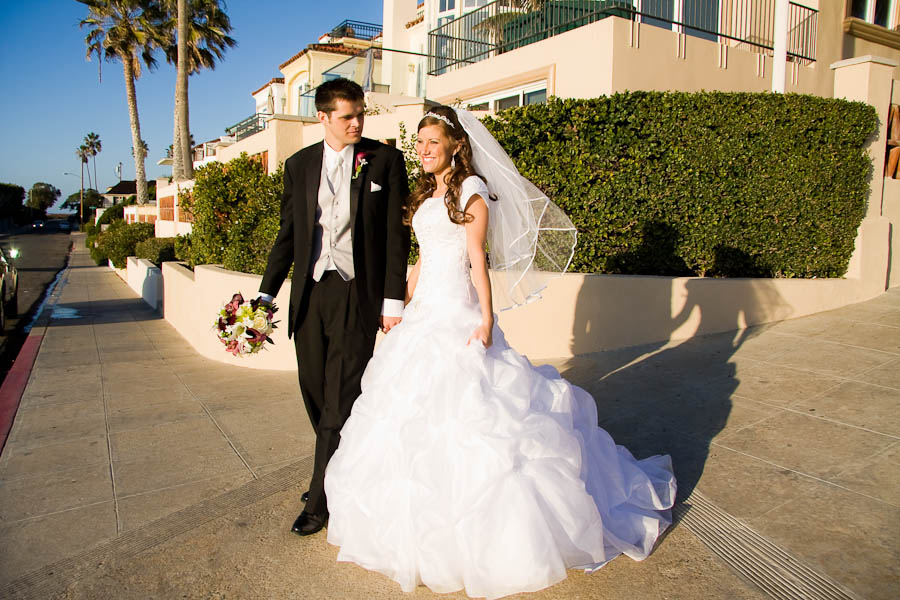 san diego temple wedding photo 10 606b Scott & Brittany   San Diego LDS Temple & Escondido Private Residence Wedding