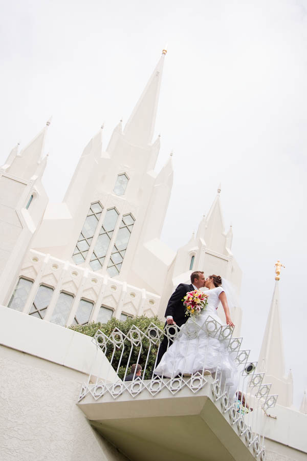 la canada wedding photographer photo 10 60ed Tyler & Cheryl   San Diego LDS Temple & La Canada Private Residence Wedding
