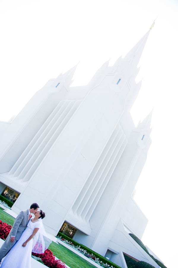 point loma wedding photographer photo 12 6186 Ben + Mimi   San Diego LDS Temple & Oceanview Room Wedding
